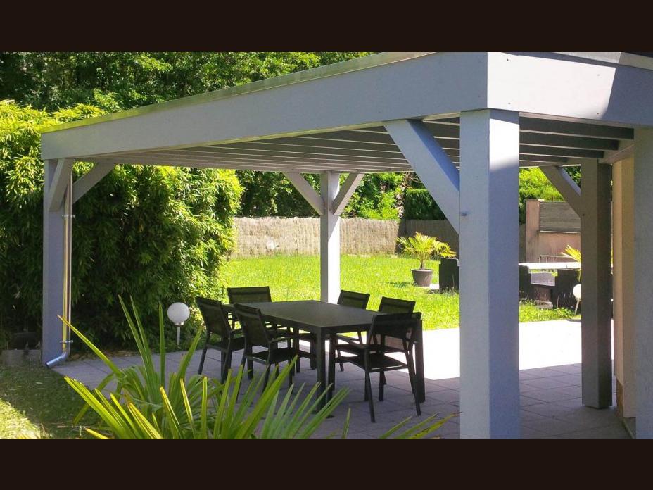pergolas voiles d 39 ombrage et auvent de terrasse environnement bois. Black Bedroom Furniture Sets. Home Design Ideas